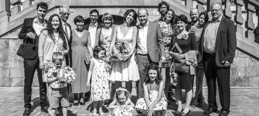 trouwkledij op maat: bruid, moeder, schoonmoeder en bruidskindjes